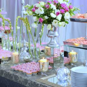 impressive-wedding-buffet-table-ideas-wedding-buffet-ideas-using-flowers-for-buffet-table-decorations - Copy